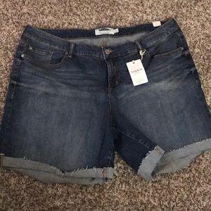 Torrid Medium Wash Bermuda Denim Shorts size 24